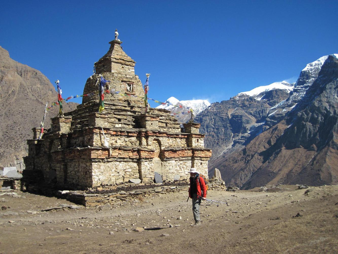 Chorten, vallee de Naar, Nepal - Jean-Luc Moreau